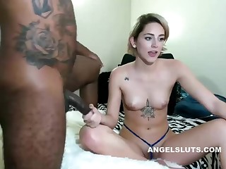 Blonde whore sucking her boyfriends thick meaty cock