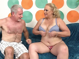 Chubby mature blonde MILF Amazing Summer gets cum on will not hear of huge tits